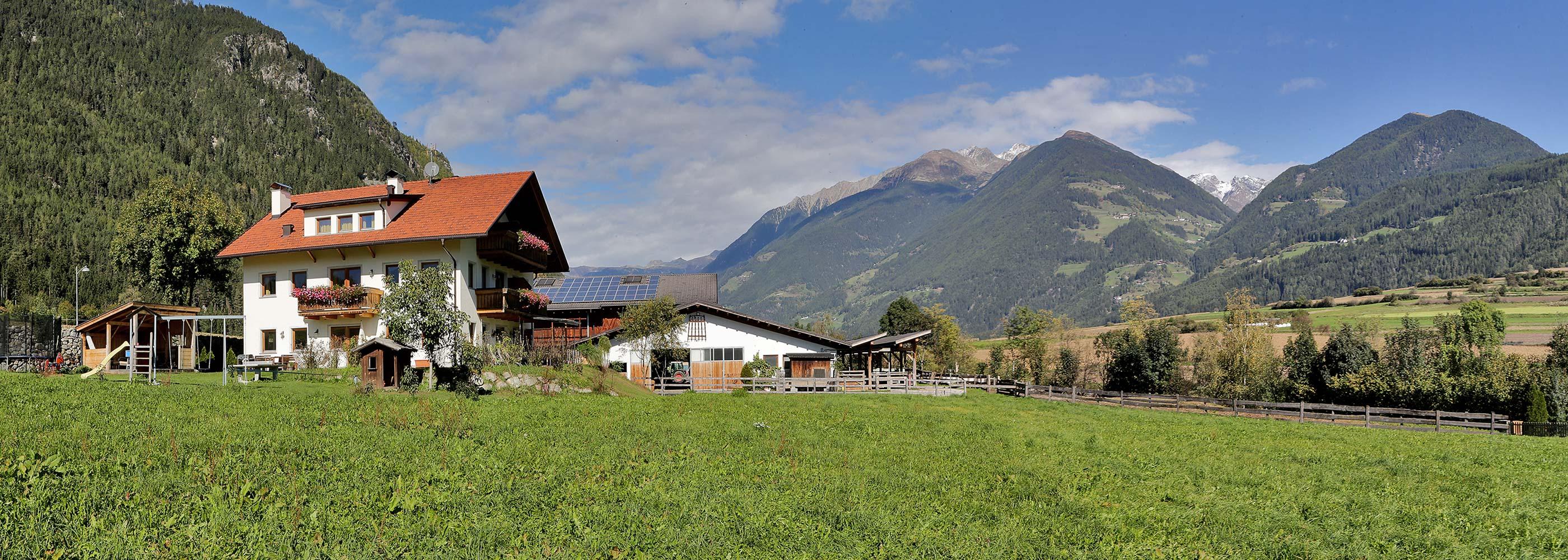 pano-farm-vacation-south-tyrol-apartment-holidays-bruneck