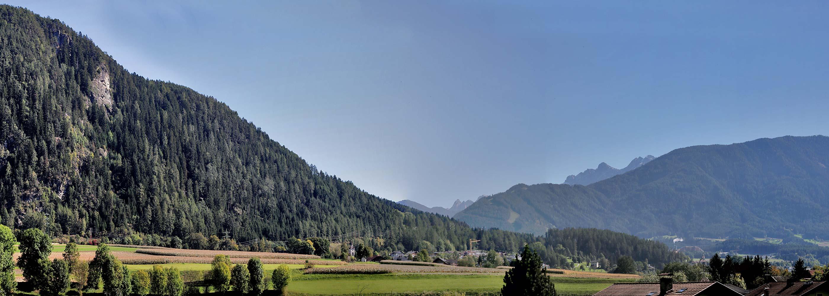 pano-resi-ausblick-vista-ferienwohnung-bruneck